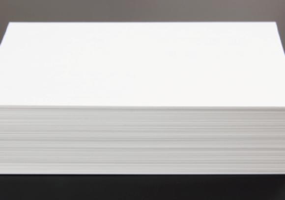 紙の厚さの「g/㎡」って何?